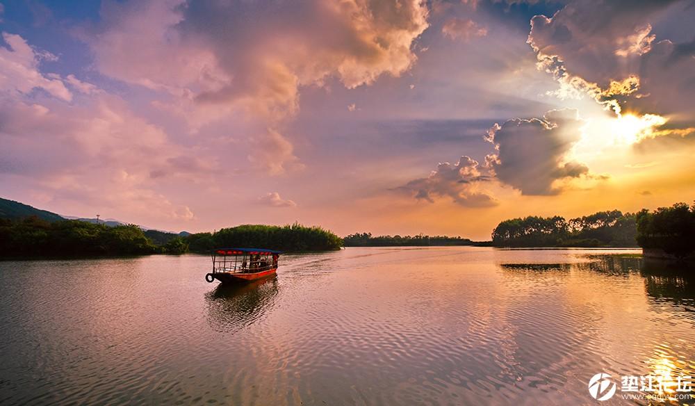 25彩湖-胡序和.jpg