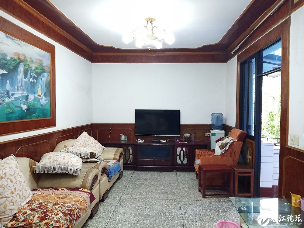 東門轉盤附近精裝三室,好樓層,99平低價出售只要28.8萬!!!