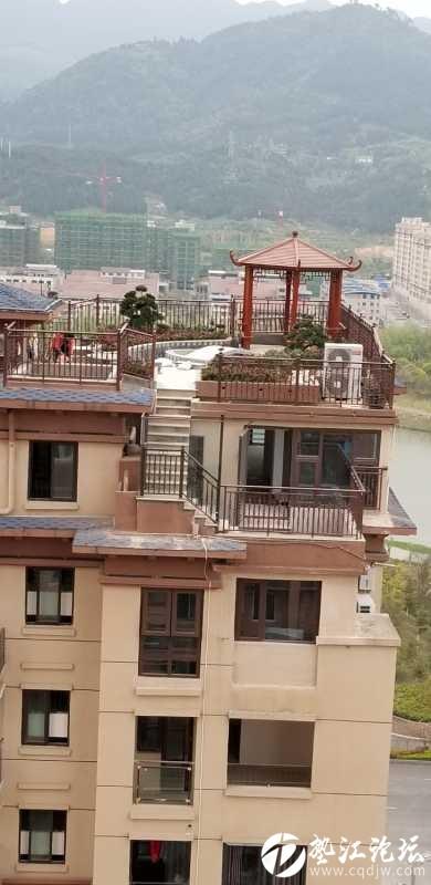 翠湖名都这个楼顶违章了没?